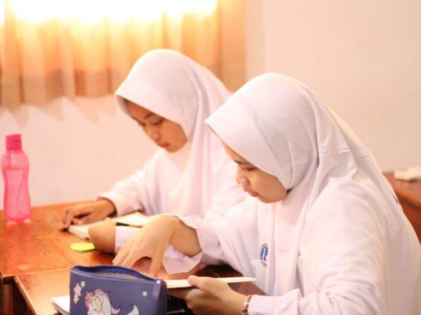 Budaya Literasi sebagai Upaya Peningkatan Mutu Pendidikan di SMA Islam Al Azhar 7