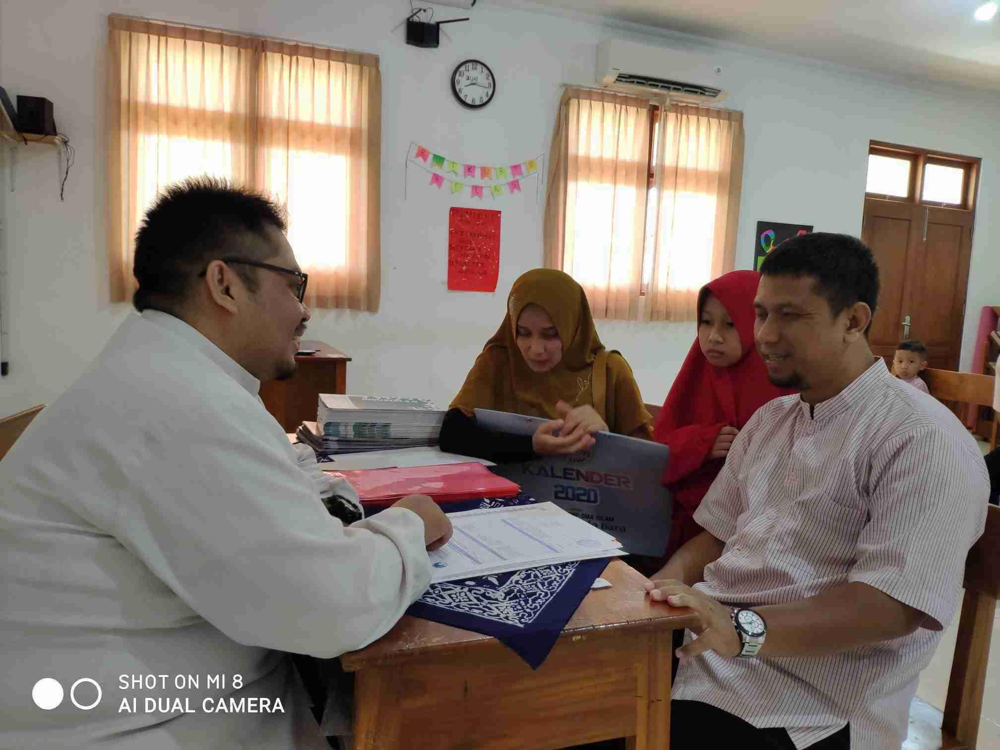 Photo of Pembagian Rapor Semester 1 Tahun 2019/2020